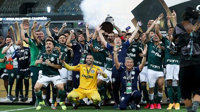 Palmeiras vence Santos com gol nos acréscimos e é bicampeão da Libertadores 2020
