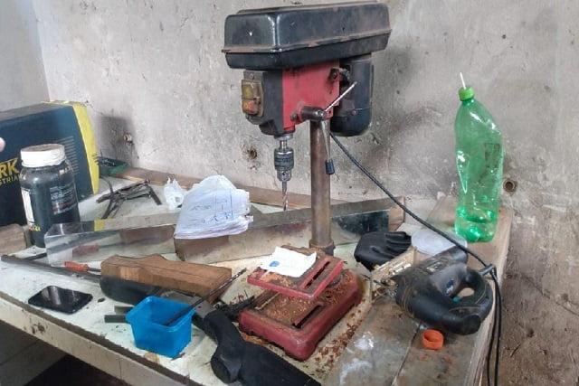 Homem é detido em oficina de produção e reforma de arma de fogo em Sorriso