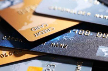 DECISÃO: Taxas de administração de cartão de crédito e débito estão inseridas no preço de produtos devendo constar da base de cálculo do PIS/Cofins