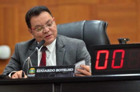 PRÁTICA PROIBIDA: Rede contesta norma de MT que permite recondução do presidente do Legislativo