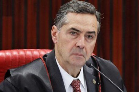 DAQUI PARA PIOR: Voto impresso não é mecanismo de auditoria, pois é menos seguro, diz Barroso