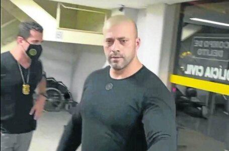 A PEDIDOS: Alexandre envia à Câmara laudo da PF e denúncia da PGR contra Daniel Silveira