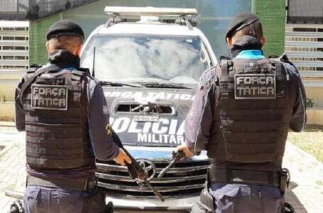Força Tática flagra adolescente vendendo revólver na Cohab Cristo Rei