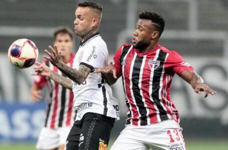 Corinthians e São Paulo empatam com gol de pênalti aos 50 minutos do segundo tempo