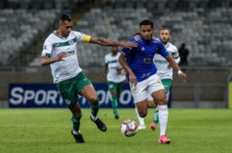 Cruzeiro faz gol contra bizarro, mas empata com Goiás no fim
