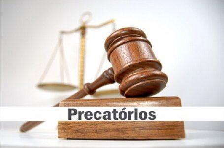 DECISÃO: Mantida a improcedência do pedido de condenação da União ao pagamento de multa pecuniária decorrente da não quitação em parcela única do saldo remanescente de precatórios