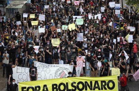 Manifestantes voltam a promover atos contra Bolsonaro pelo país