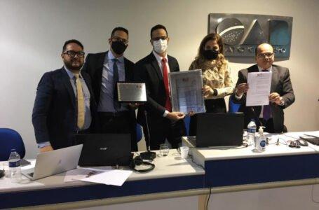 Advogado Waldir Caldas é homenageado pelo Conselho Seccional da OAB-MT