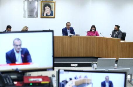 ASSEMBLEIA LEGISLATIVA:  CCJR aprova mensagens do governo em reunião extraordinária