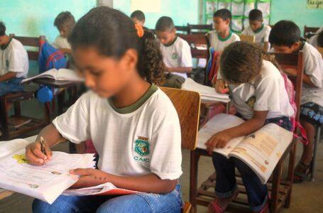 Sancionada lei que prorroga mudanças no calendário escolar até o fim de 2021