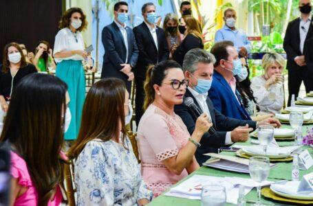 Virginia Mendes apresenta ações e programas sociais do Governo para prefeitas e primeiras-damas